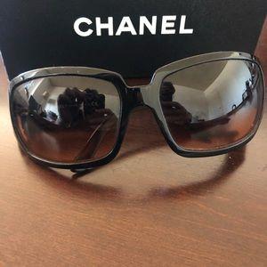 CHANEL Accessories - 🖤Chanel Sunglasses 🖤